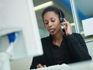 Central telefônica inteligente: você já ouviu falar em como ela pode ajudar seu negócio?