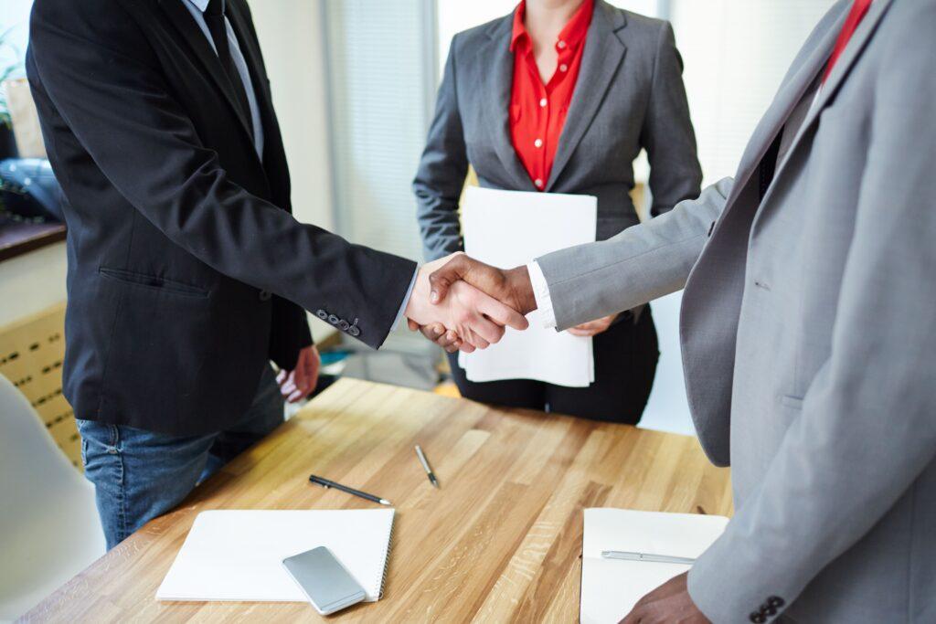 5 dicas de como melhorar a comunicação entre matriz e filiais para impulsionar os negócios