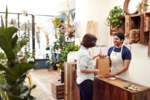 Aumentar vendas: 4 dicas para melhorar a motivação dos vendedores em seu negócio