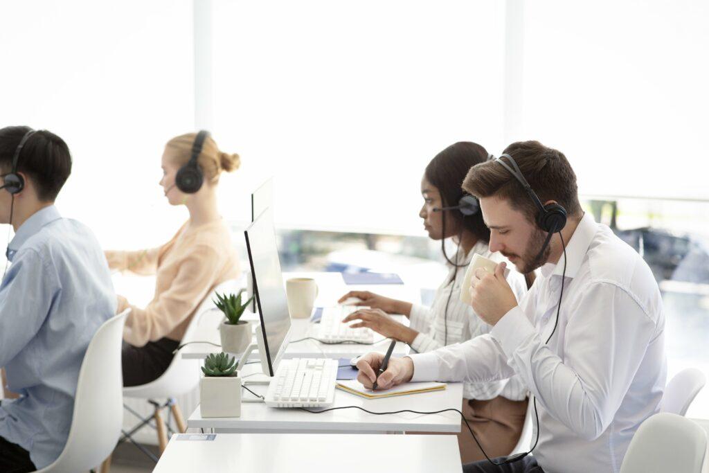 Fale com um especialista em Plataformas de Comunicações e Atendimento