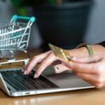 """e-Commerce: veja tudo que você precisa saber para """"surfar"""" no crescimento do setor e bombar as vendas do seu negócio"""