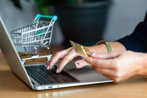 e-Commerce tem crescimento e é essencial para bombar vendas; veja tudo que você precisa saber