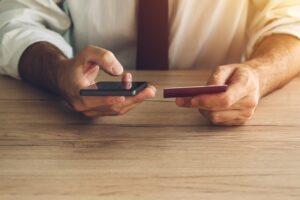 M-Commerce: saiba o que é e como a prática pode ajudar nas vendas do seu negócio