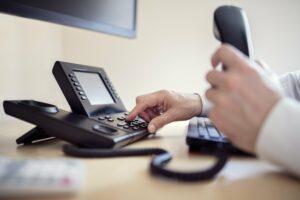 Telefone em empresas: 5 razões para você não abandonar a tecnologia em seu negócio